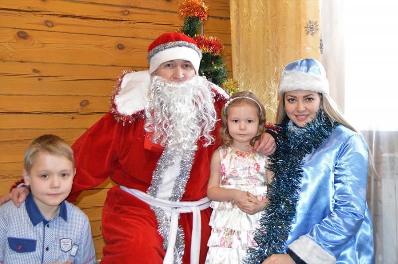 В Приангарье продолжается акция «Полицейский Дед Мороз»