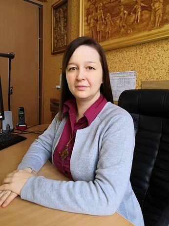 Авторские шедевры резьбы по дереву Анастасии Васечкиной впервые увидят братчане