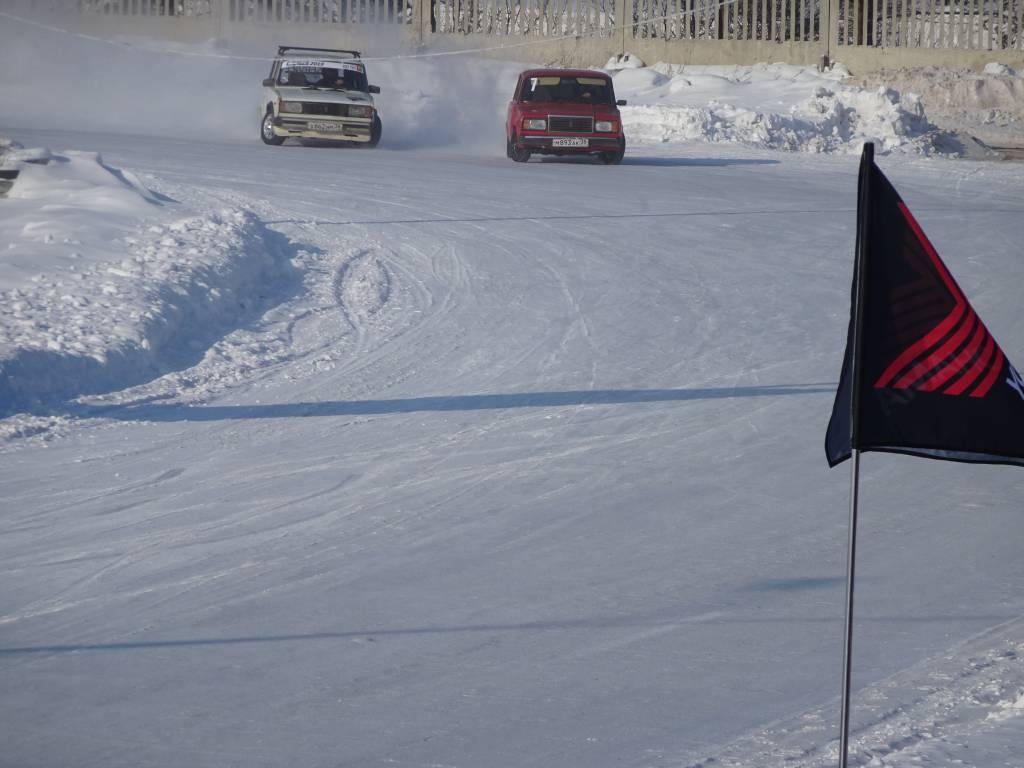 В Братске состоялся второй этап Кубка по зимнему дрифту (фоторепортаж, видео)
