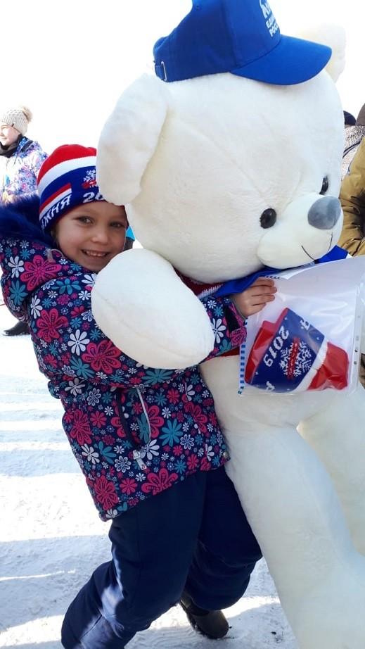 Жители Усть-Илимска устроили традиционный «Снегобег» (видео), а в Киренске прошла «Лыжня России-2019»