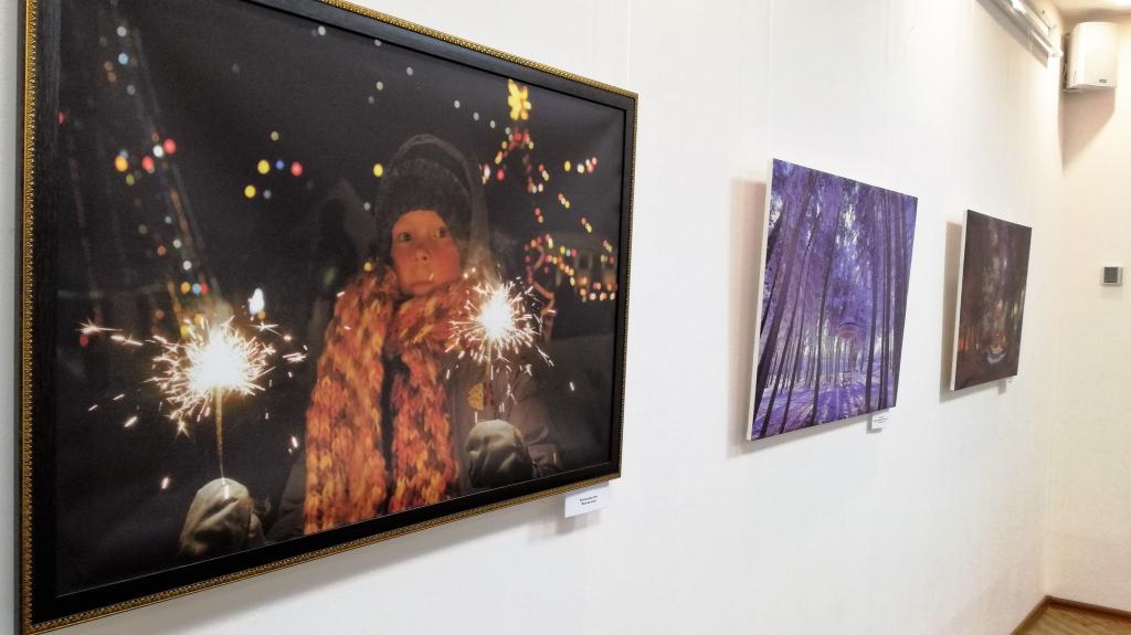 Впервые в Братске открылась персональная фотовыставка Геннадия Тараскова «Живопись улиц» (ФОТОРЕПОРТАЖ)