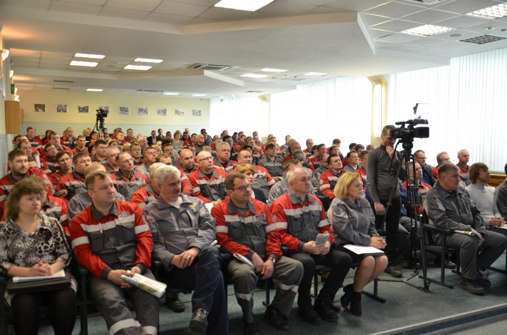 Мэр Братска на БрАЗе обсудил с металлургами экологические программы