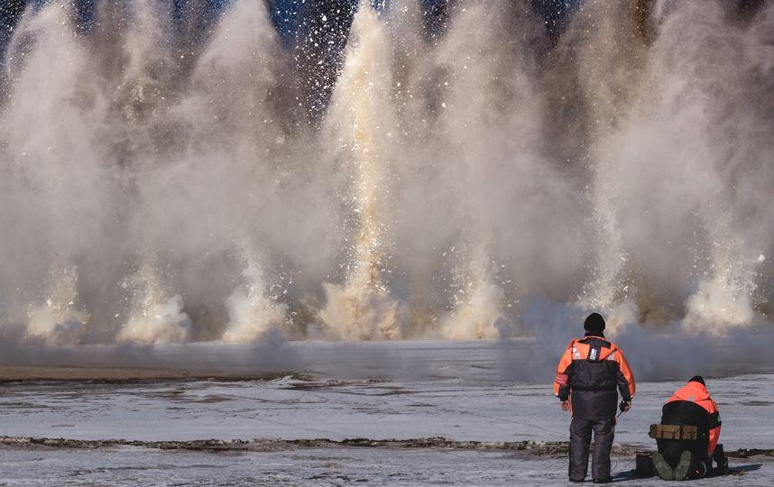 В Катангский район направлена авиация МЧС для ликвидации ледового затора на реке Нижняя Тунгуска