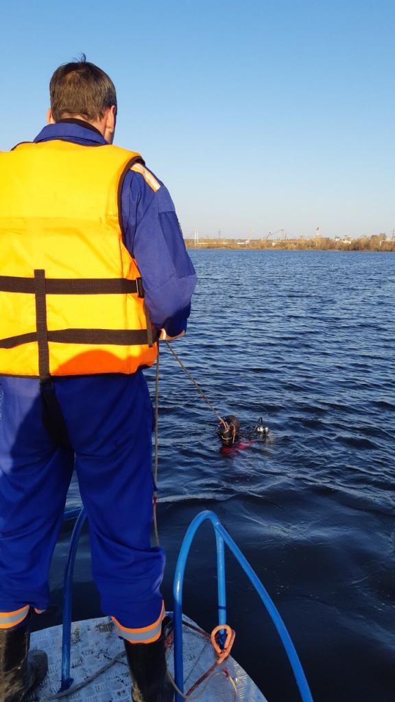 В Иркутске водолазы продолжают поиски пропавшего человека
