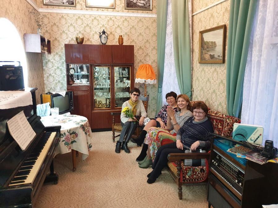 Сервант, торшер и трюмо... В краеведческом музее Усть-Илимска открылась выставка «Квартира периода социализма» (фото)