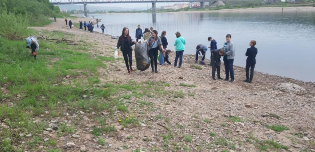 В Усть-Куте прошла акция «Чистый берег»