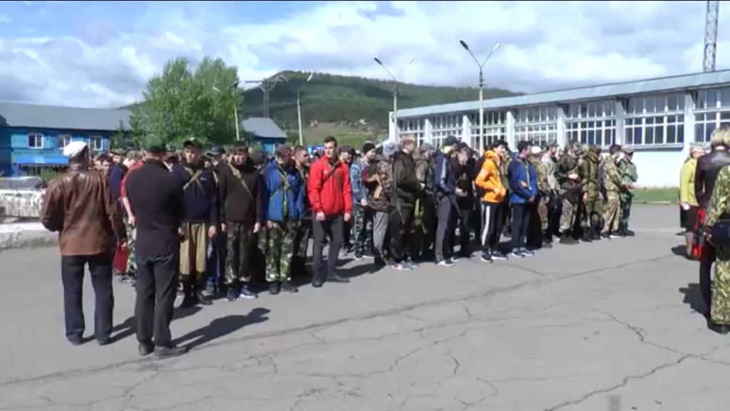 Школа настоящих мужчин. В Усть-Куте прошли военно-полевые сборы для старшеклассников