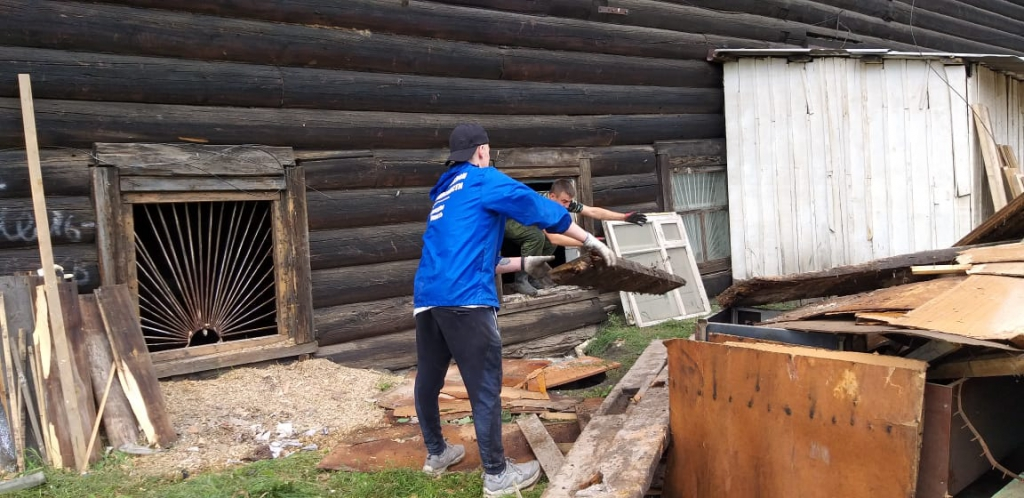 Из зоны бедствия. Группа усть-илимских волонтеров вернулась из затопленных районов Иркутской области (фото)