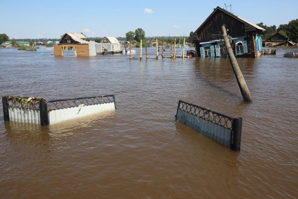 Помогут с работой и жильем. Свыше 100 вакансий пострадавшим от паводков готовы предоставить в Усть-Илимске и районе