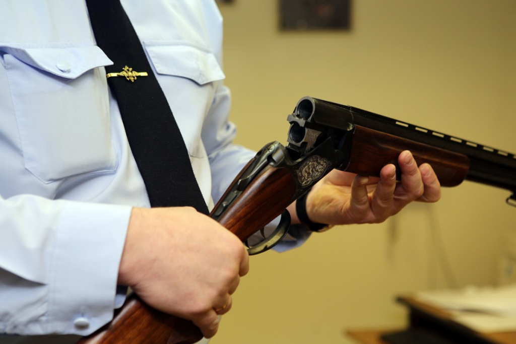 Обернулось трагедией. В Усть-Илимске совершено самоубийство с использованием незарегистрированного огнестрельного оружия