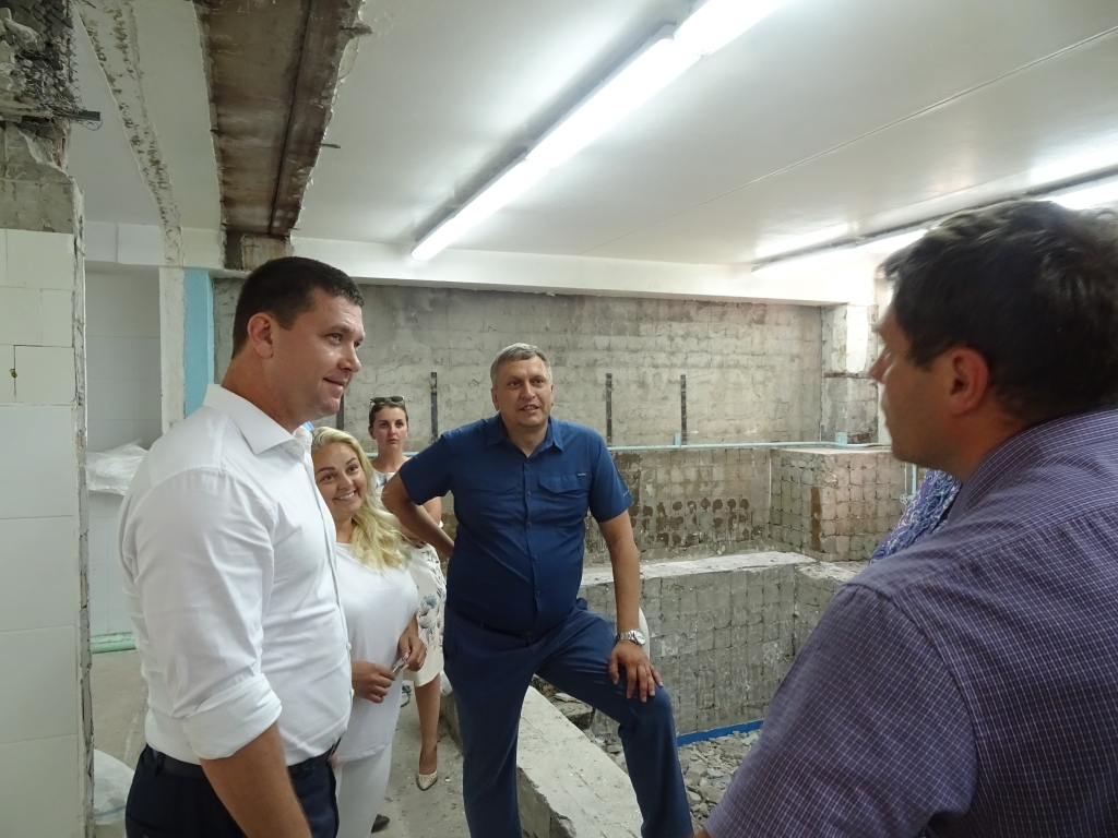 По обращению Андрея Чернышева в Братске начали ремонт бассейна детского сада «Звездочка»