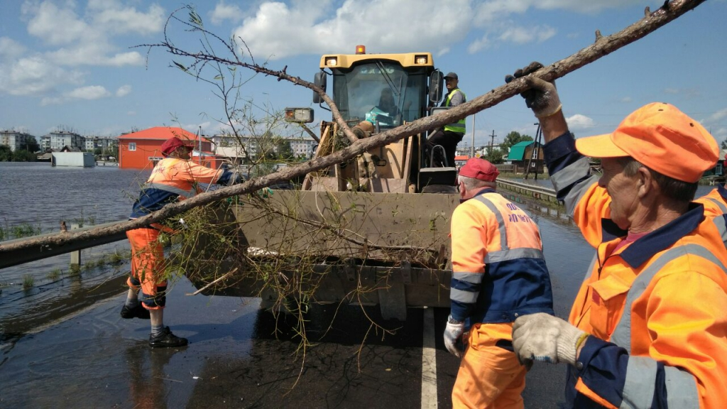 Дорожники готовятся открыть трассу в Тулуне