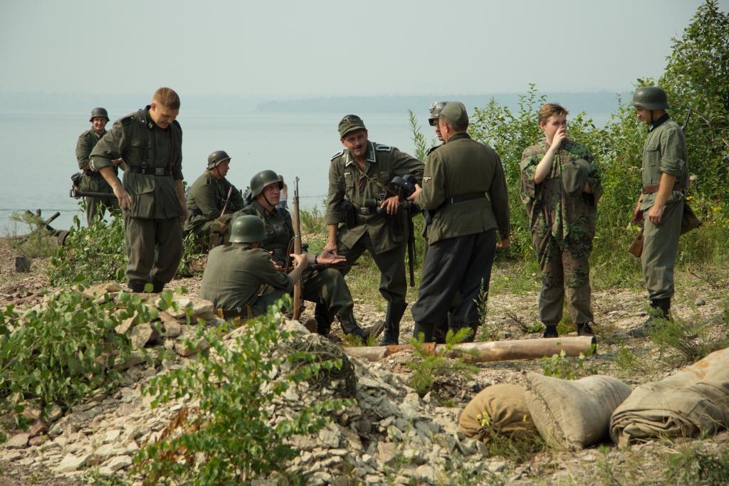 Живая история. Бой за Таманский плацдарм реконструировали на берегу Братского моря (фото)