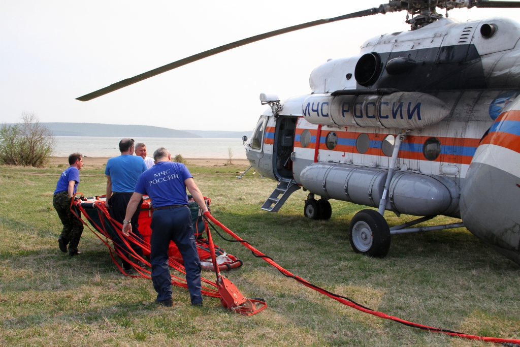 Благодаря авиации МЧС и Минобороны площадь действующих лесных пожаров в Иркутской области сократилась