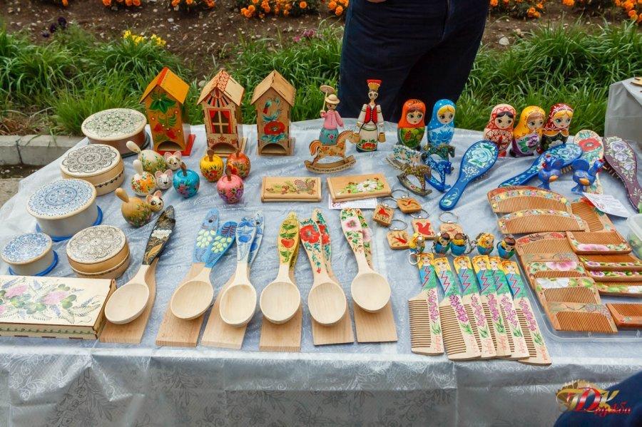 «Праздник урожая». Большая ярмарка собрала в Усть-Илимске садоводов-любителей (фото)