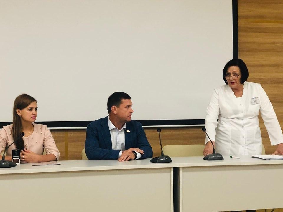 Фонд Андрея Чернышева продолжает реализацию программы по привлечению в Братск медицинских специалистов