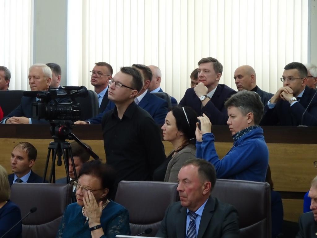 Сергей Серебренников вступил в должность мэра Братска (фото)