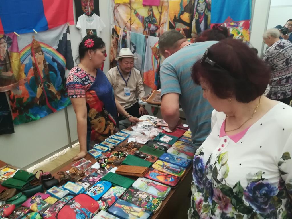 Братск и Дархан - братья навек. В Северной столице Приангарья проходит ярмарка-выставка товаров и услуг из Монголии