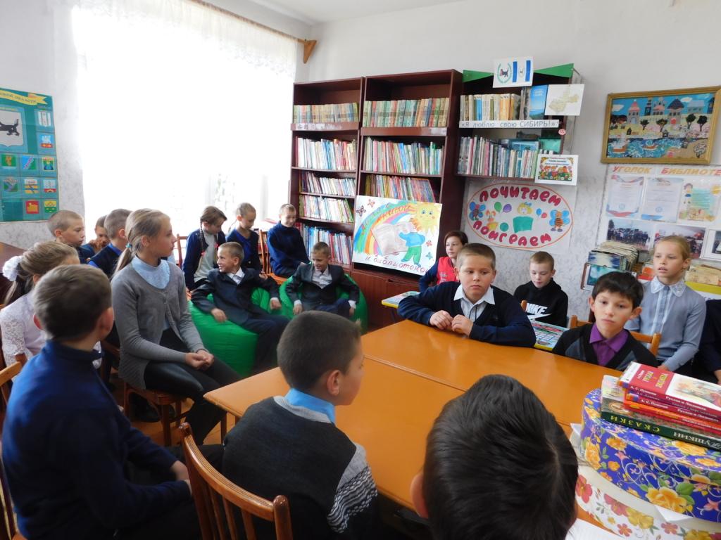 По проекту Фонда Андрея Чернышева в Братском районе открылись библиотеки на подушках (фото)