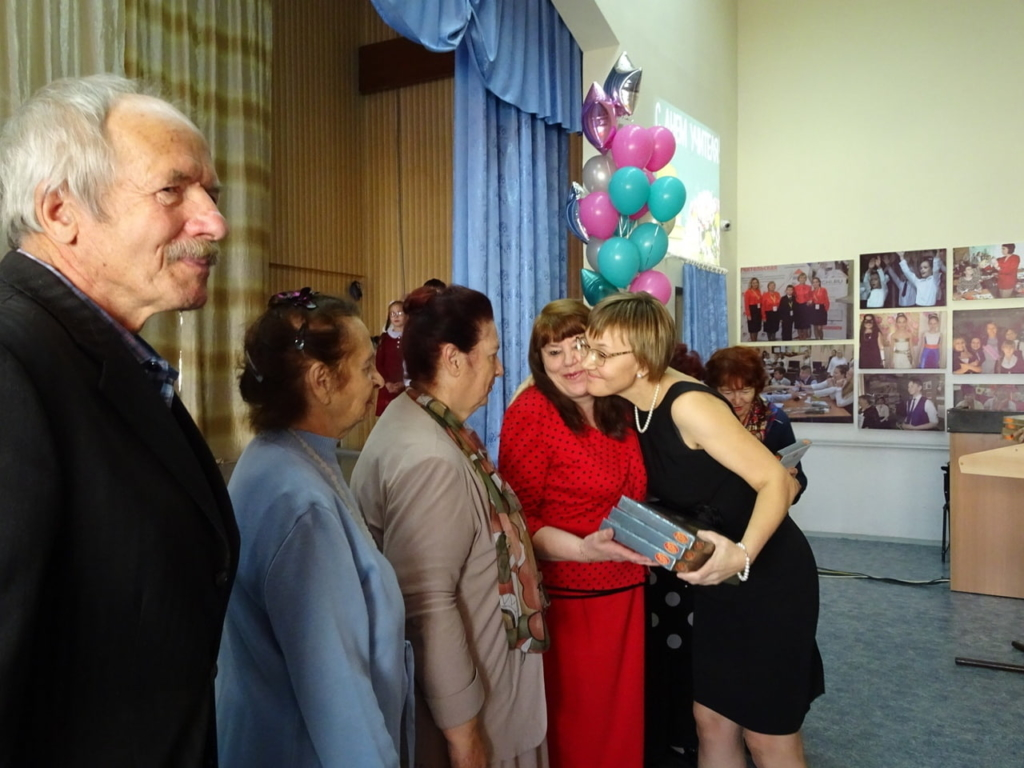 Андрей Чернышев поздравил педагогов с профессиональным праздником