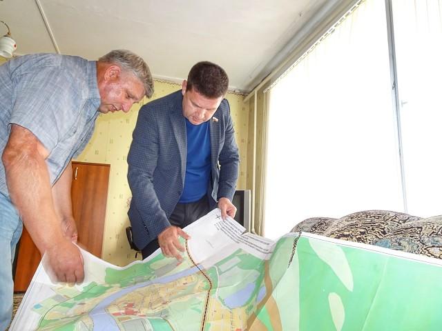 При содействии депутата Госдумы Андрея Чернышева в поселке Октябрьский решен вопрос обеспечения населения питьевой водой