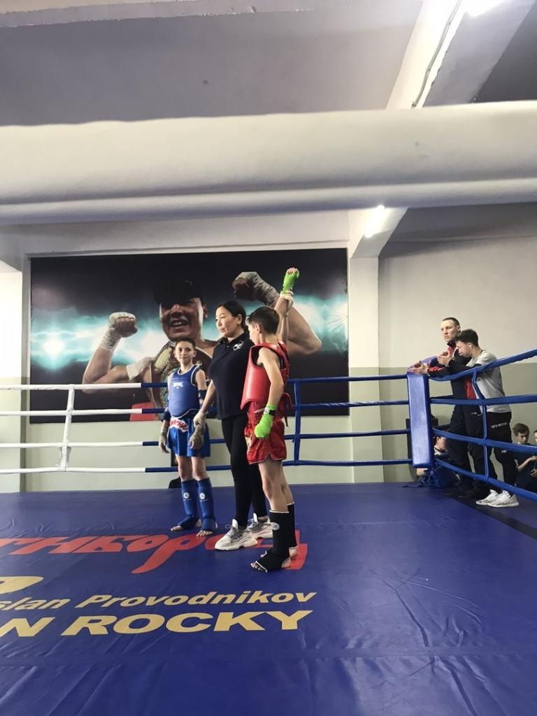 Три золота для Братска. Юные боксеры успешно выступили на соревнованиях по тайскому боксу в Бурятии