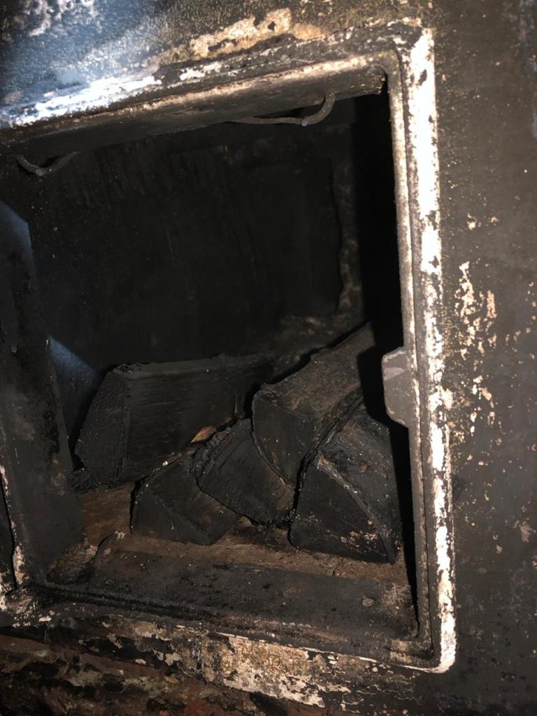 По воле случая дети остались без присмотра. На пожаре в Братском районе погиб ребенок (фото)