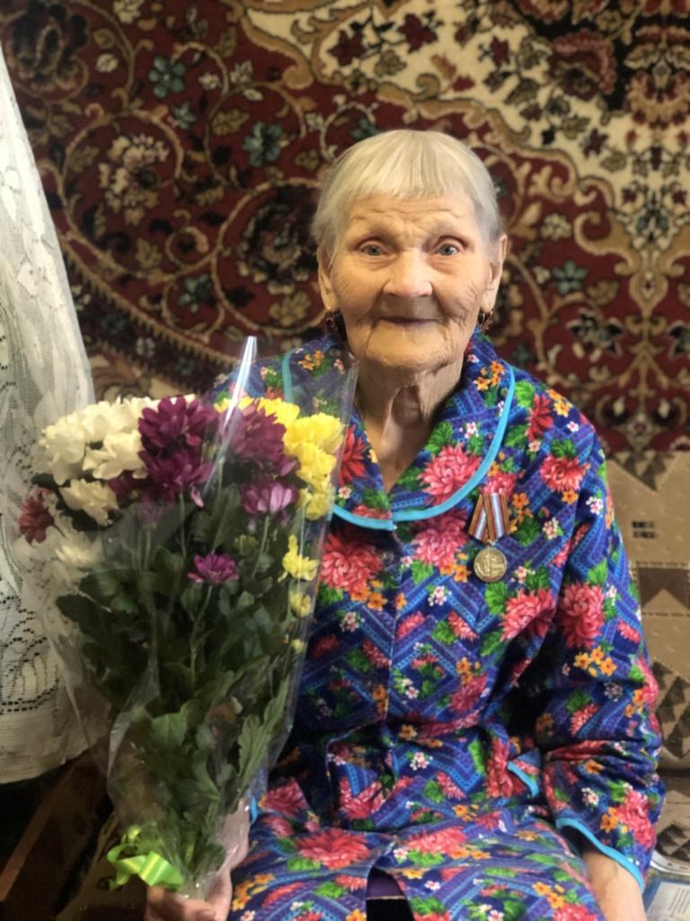 Полна сил и жизнелюбия. Валентина Аркадьевна Биляк из Усть-Кута отметила 90-летний юбилей