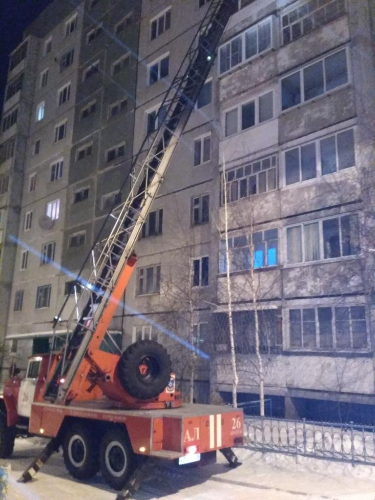 Пожар в многоквартирном доме Братска. 20 человек эвакуировались (фото)