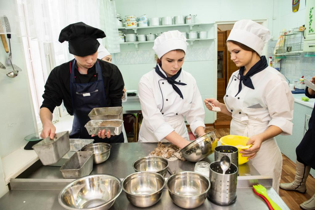125 граммов жизни… Усть-Илимск поддержал Всероссийскую акцию «Блокадный хлеб» (фото)