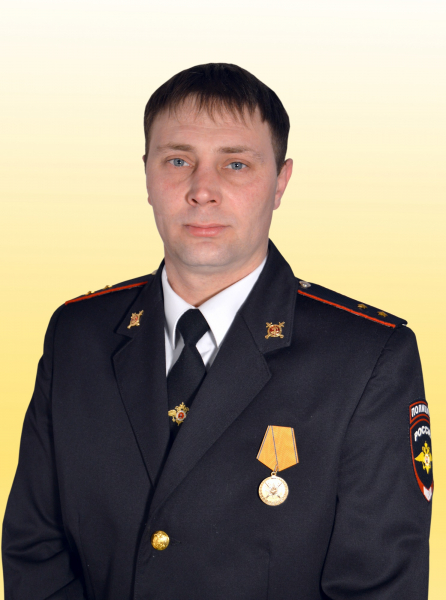 Награда нашла героя – усть-кутскому полицейскому вручили медаль «За смелость во имя спасения»