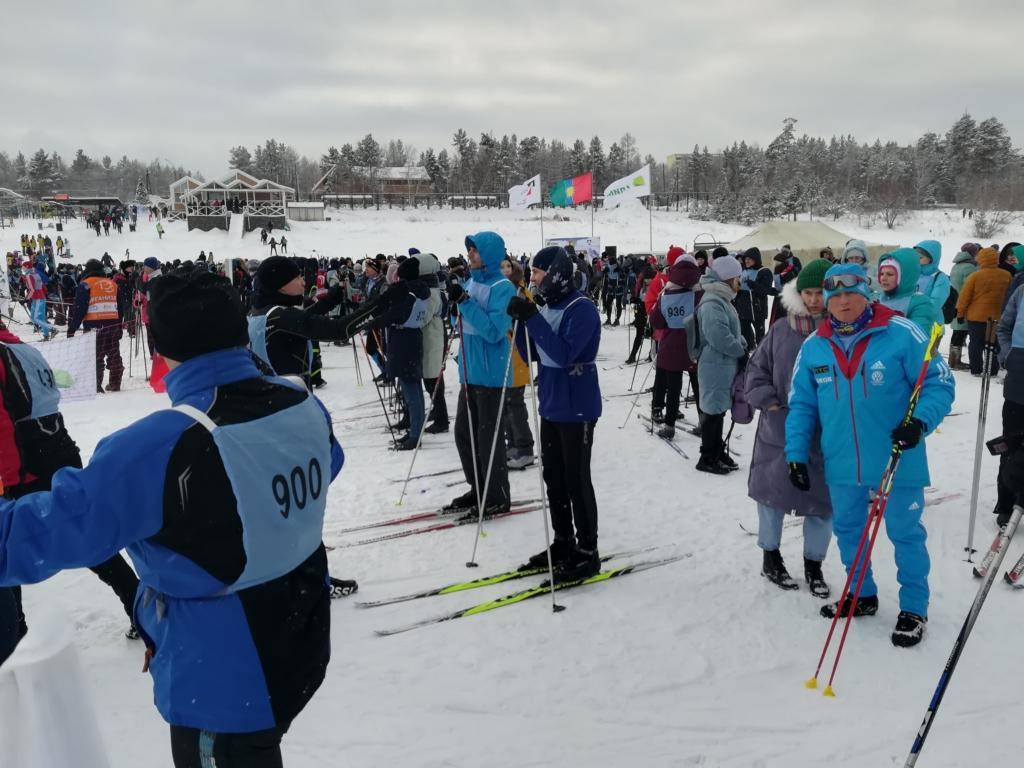 """Спорт для настоящих сибиряков. Более тысячи человек приняли участие в """"Братской лыжне""""!"""