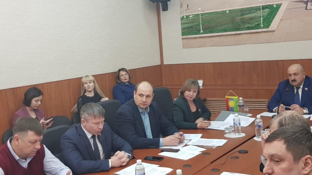 Александр Дубровин: В школах Братска необходимо официально запретить опасные для здоровья никотиносодержащие смеси, вейпы и их аналоги