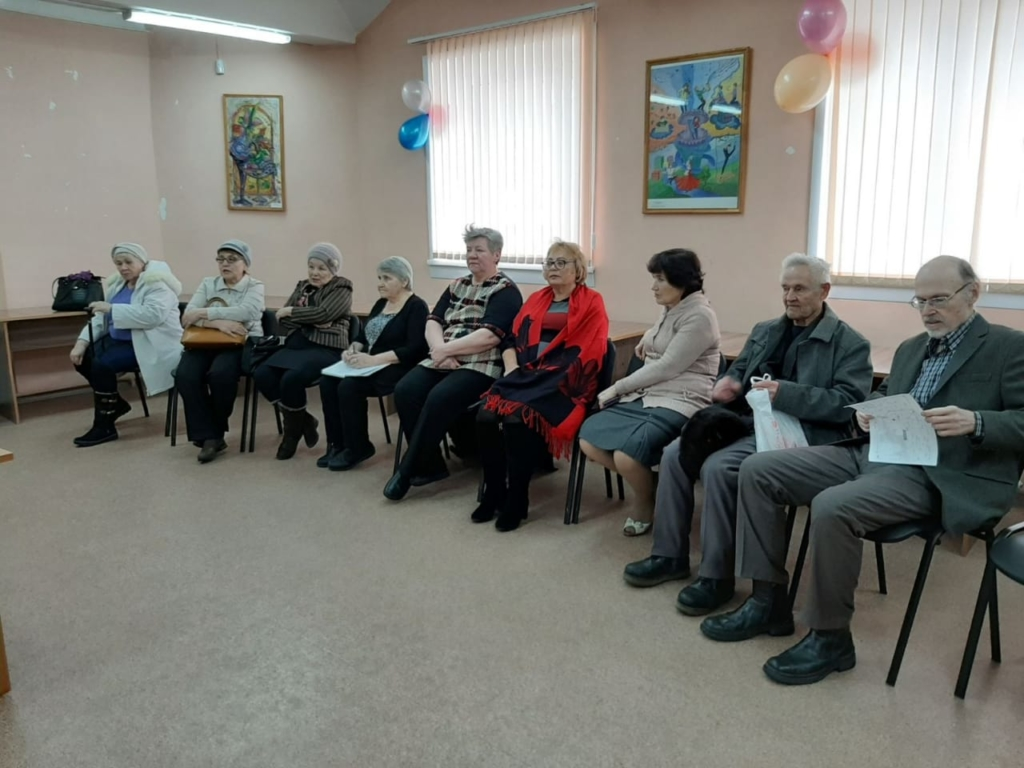 Депутат Яна Синявская встретилась со слушателями Высших народных школ