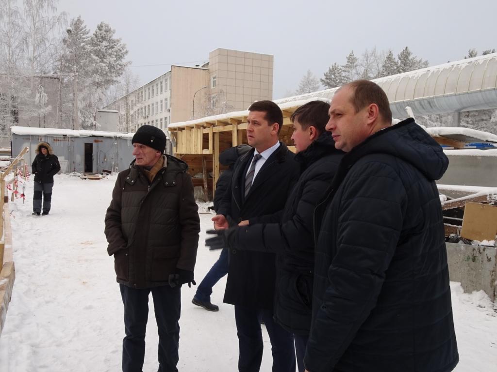 Андрей Чернышев: В Братск доставлены комплектующие для монтажа чаши строящегося бассейна университета