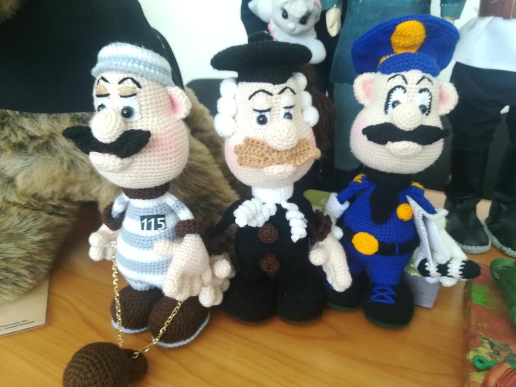 Чей Дядя Степа лучше? В Братске подвели итоги городского конкурса поделок (фото)