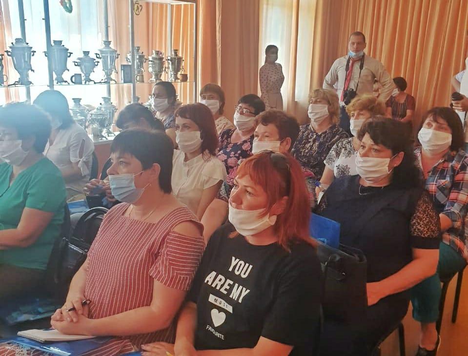 Александр Дубровин: Образовательный спектакль увидят более 1 000 детей Братского района
