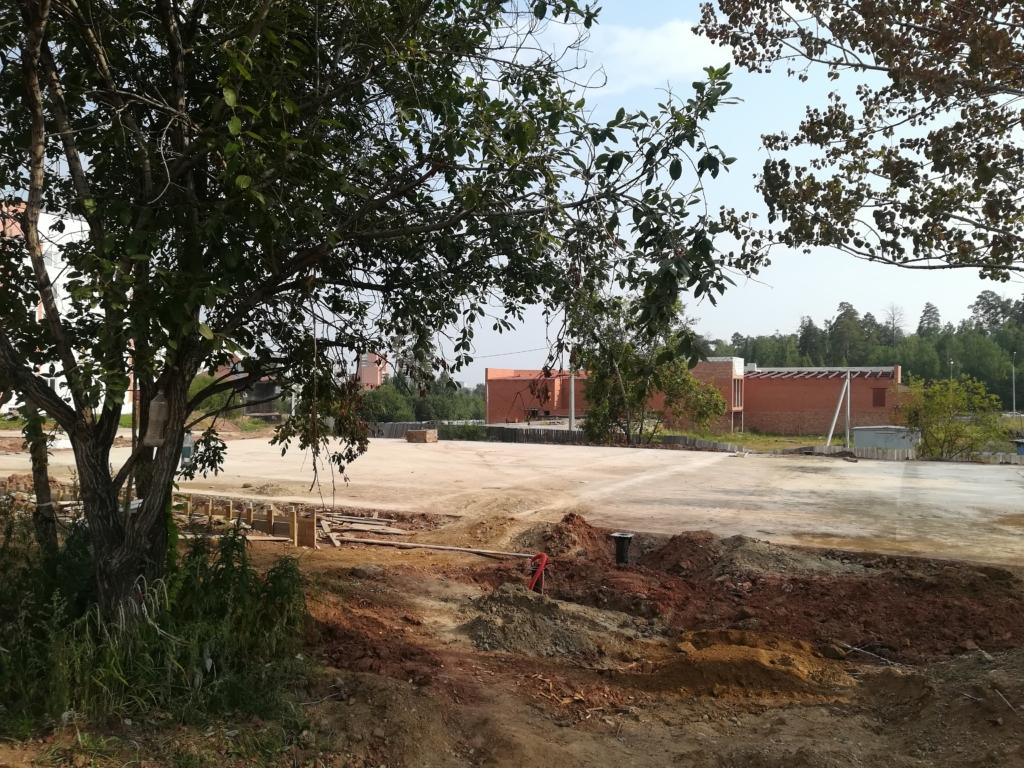 План преображения по графику. В 5а микрорайоне Братска подрядчик на 70 % выполнил работы по благоустройству парка
