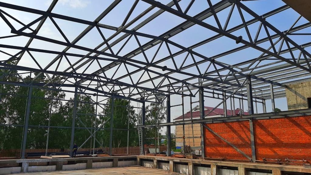 Андрей Чернышев оценил ход строительства бассейна Братского университета