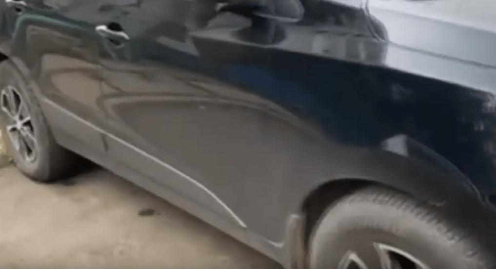 Братская пенсионерка целый месяц царапала ключами чужие машины, чтобы освободить место на стоянке для своего внедорожника
