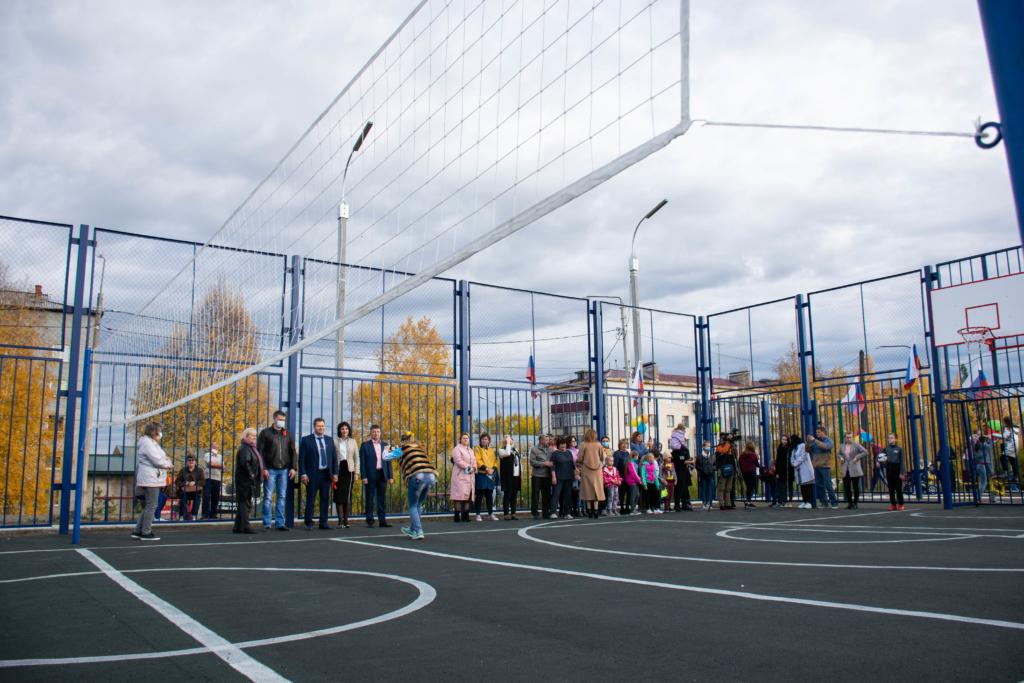 Для будущих чемпионов. В поселке Железнодорожный Усть-Илимского района открылась спортплощадка