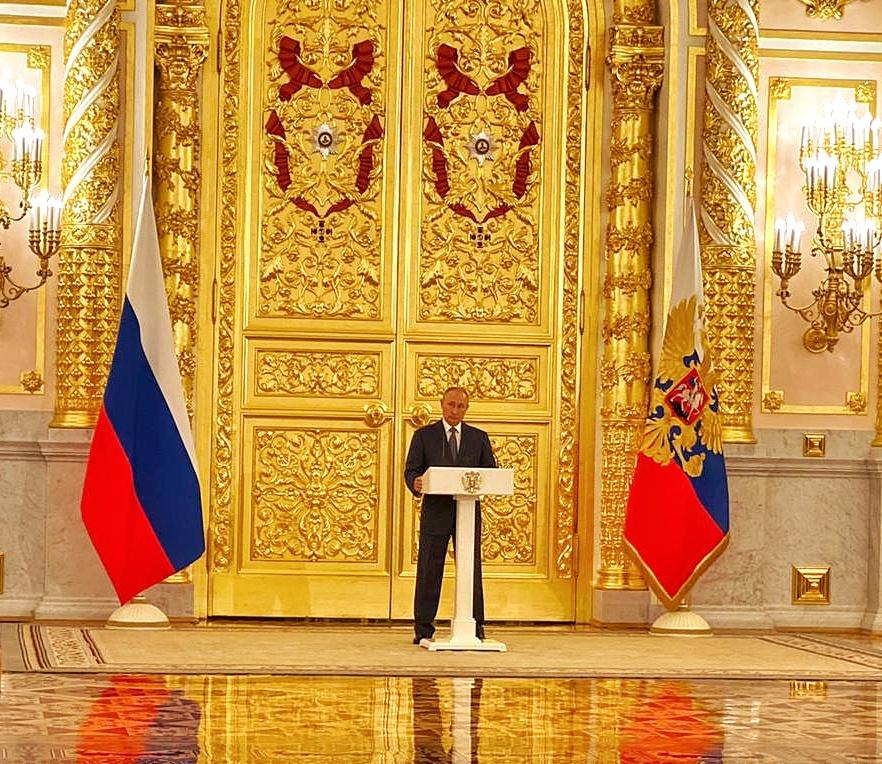 Андрей Чернышев: Работу осенней сессии Совета Федерации открыл Президент страны