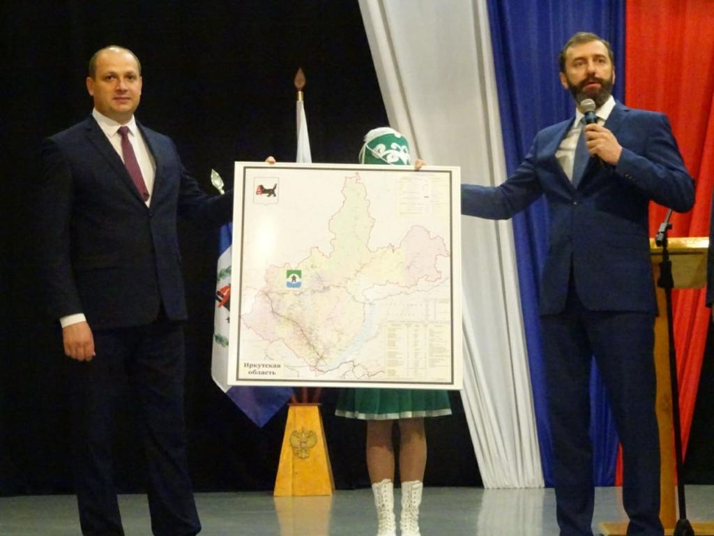 Александр Дубровин вступил в должность мэра Братского района (фото)