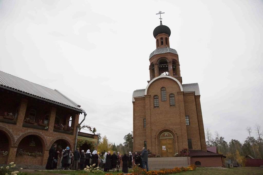 Братская помощь. Гуманитарный склад открылся при православном храме в Братске