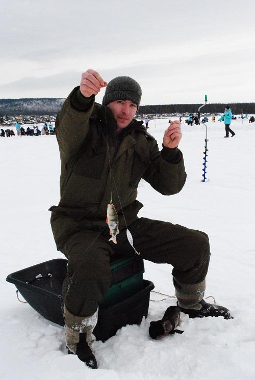 Фонд Андрея Чернышева оказал поддержку в проведении открытого первенства Братского района по спортивной рыбалке (фото)