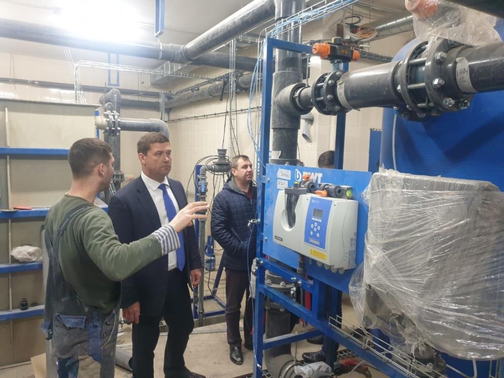 Андрей Чернышев: Строительство бассейна Братского университета выходит на завершающий этап